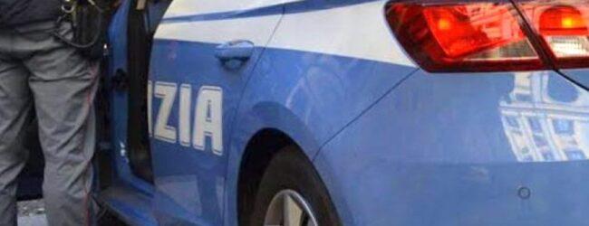 Avola   Trainano una betoniera rubata e per fuggire dalla polizia la sganciano verso la volante