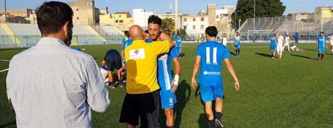 """Carlentini   I bianco-azzurri espugnano il De Simone. Mister Serafino: """"Le grandi vittorie arrivano anche con le grandi sofferenze"""""""
