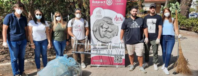 Lentini   A servizio della città, i giovani del Rotaract ripuliscono Piazza della Resistenza