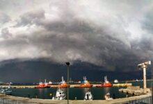 Augusta | Maltempo: Capitaneria soccorre imbarcazione, petroliera scarroccia verso la diga foranea